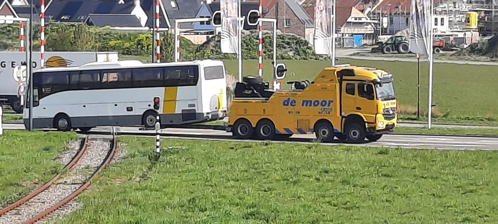 Pechhulp zware voertuigen demoorautoberging.nl