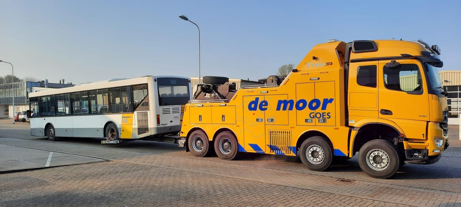 Vrachtwagen berging en zware berging voor zwaar materieel demoorautoberging.nl