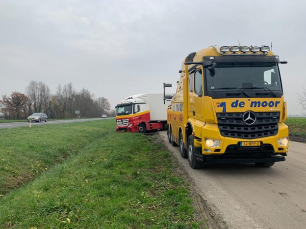 Vrachtwagenberging of zware berging autobergingemoor.nl
